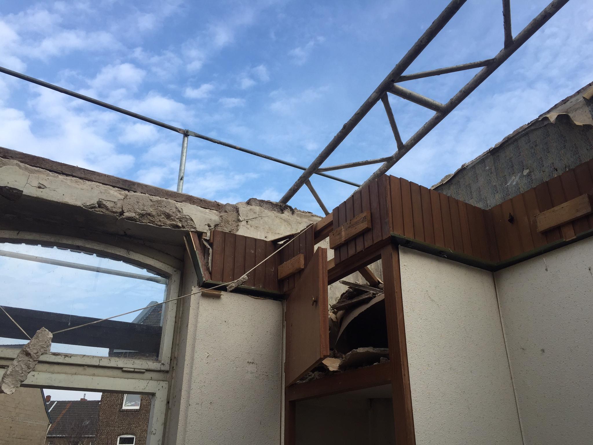 Nutzungsrecht - Sanieren eines Altbaus ohne Baugenehmigung? - WIR ...