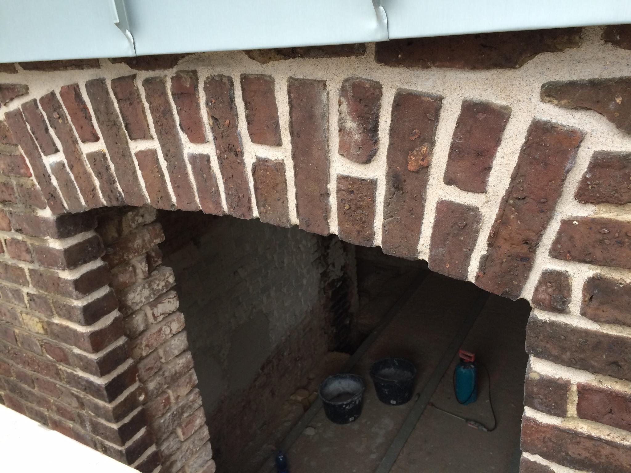 wandsanierung backstein loft - verfugen mit kalkmörtel - wir